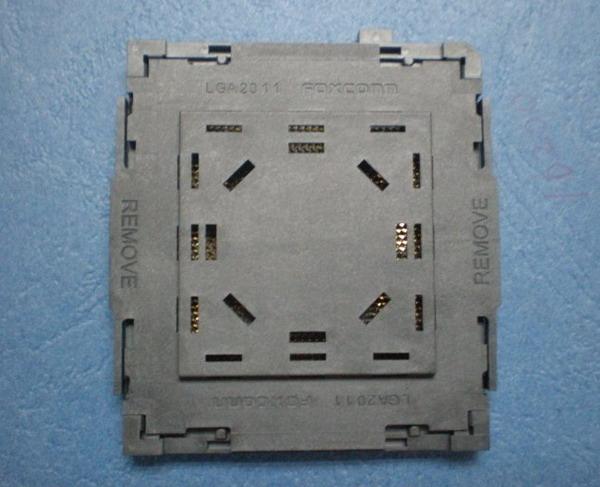 photo LGA2011_CPU_Socket-1_zps79d5987d.jpg